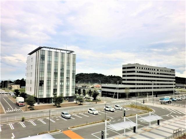 ▲JR常磐線広野駅前には新しくオフィスビルやホテルが建ち、再開発が進みます。